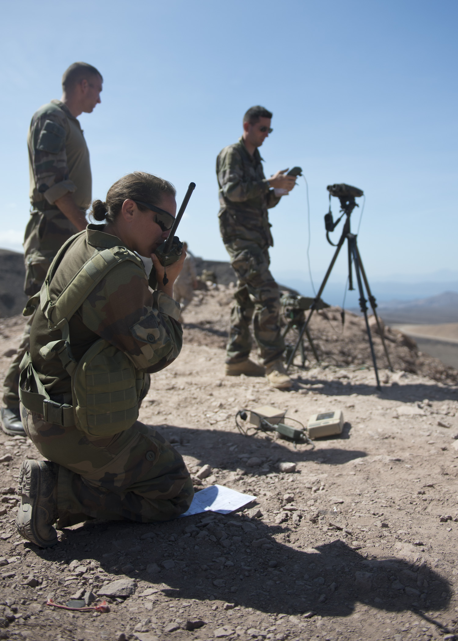 French 3rd Maine Artillery Regiment members provide over watch during a bilateral close air support training exercise in Arta, Djibouti, Feb. 4, 2015. The event was part of a scheduled bilateral CAS exercise between a contingent of 24th Marine Expeditionary Unit Marines and French soldiers and sailors. (U.S. Air Force photo by Staff Sgt. Kevin Iinuma)