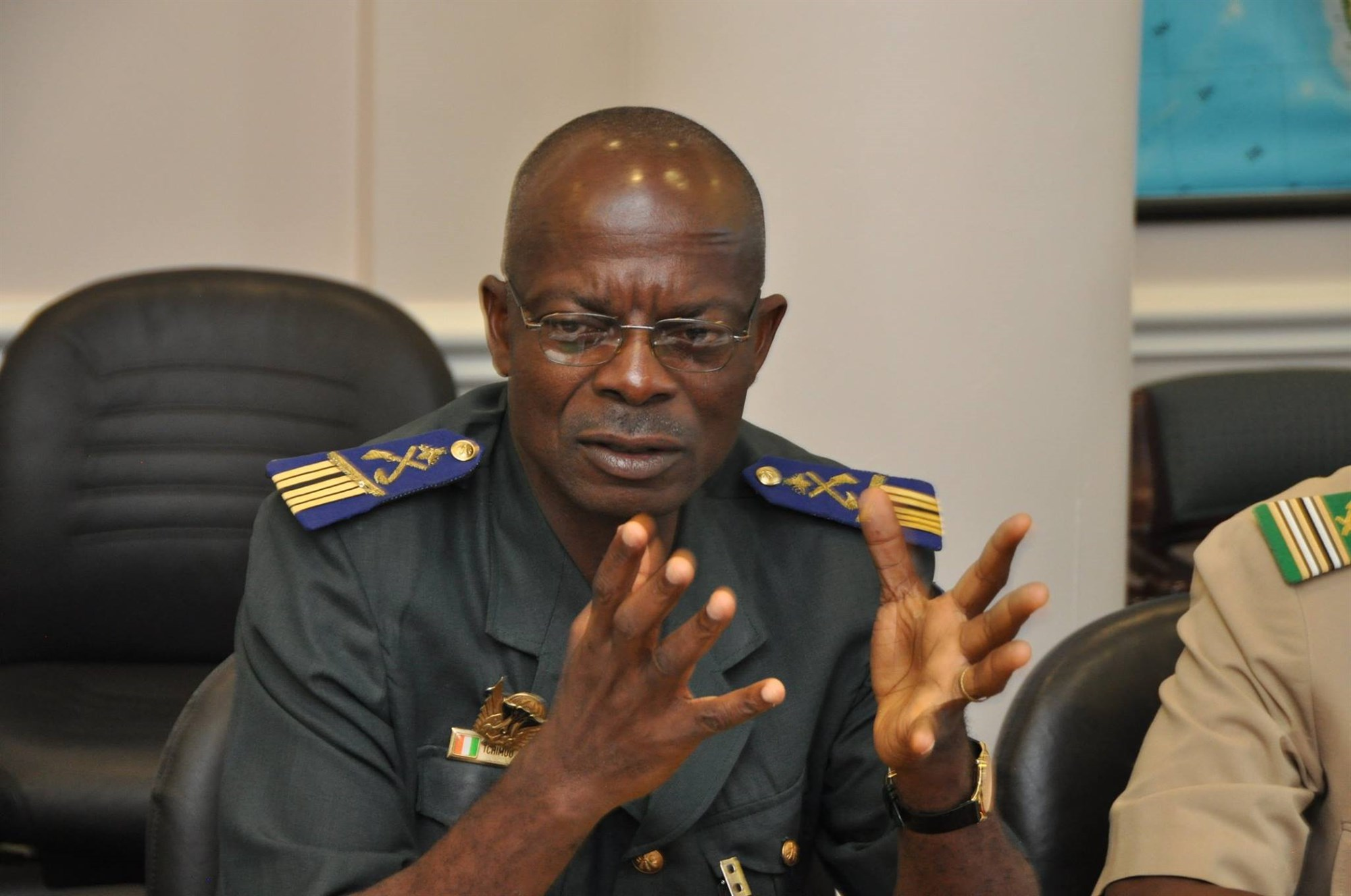 Col. Edi Tchimou from the Ivory Coast talks discusses cyber security during a visit to the National Defense University in Washington, July 20, 2015. The discussion was part of an AFRICOM-sponsored cyber security event.