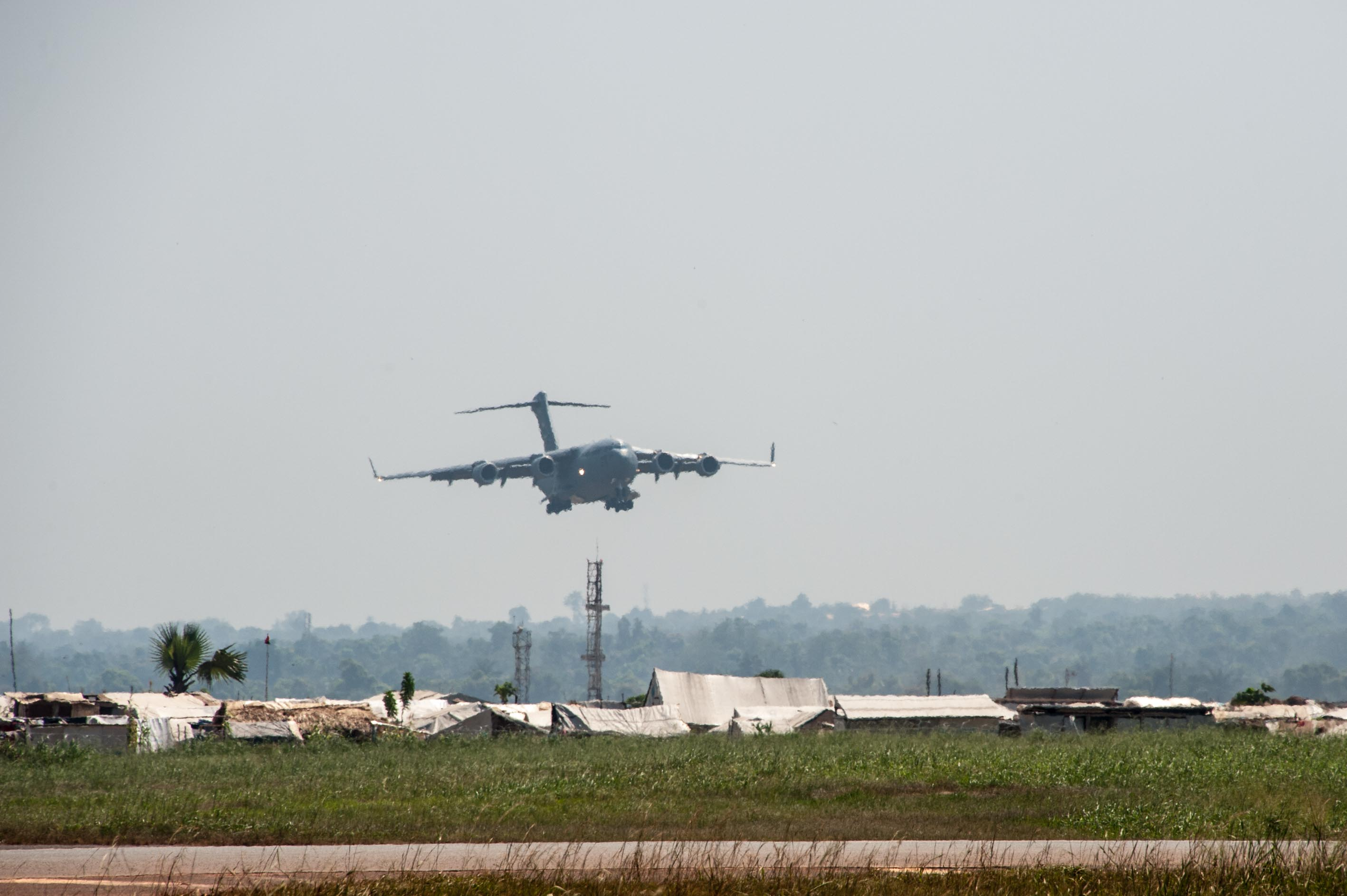 United states africa command strategic lift a us c17 cargo plane arrives in bangui central african republic sciox Gallery