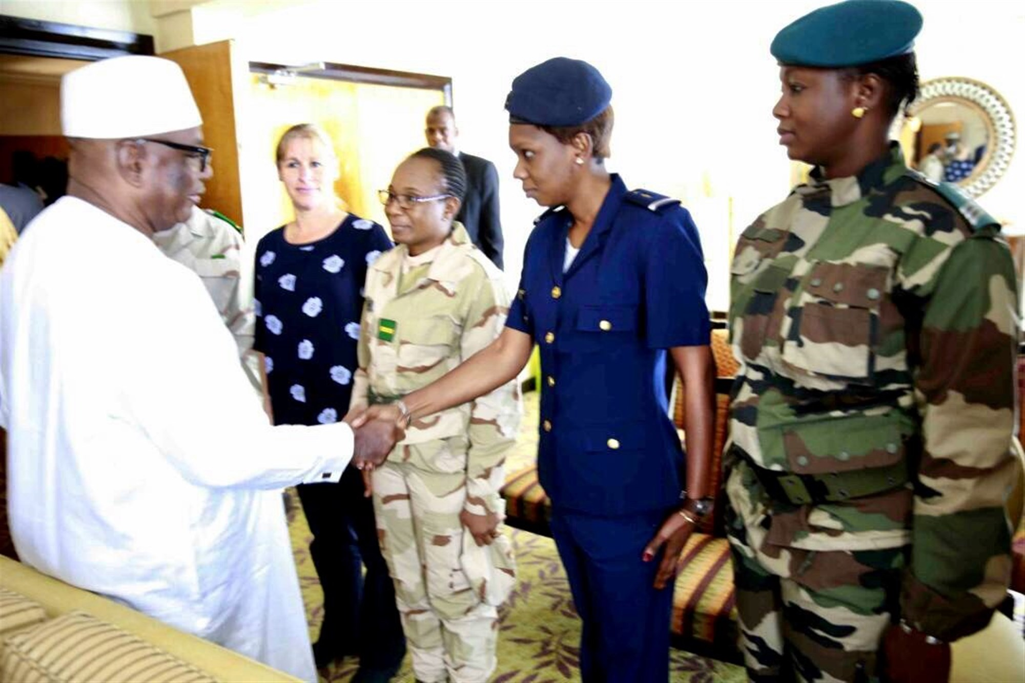 Students from Mali attending the U.S. Africa Command's Intelligence Directorate (J2) regional all-female Military Intelligence Professionals Course had the opportunity to meet Malian President Ibrahim Keita, who was in Dakar, Senegal for an unrelated event.