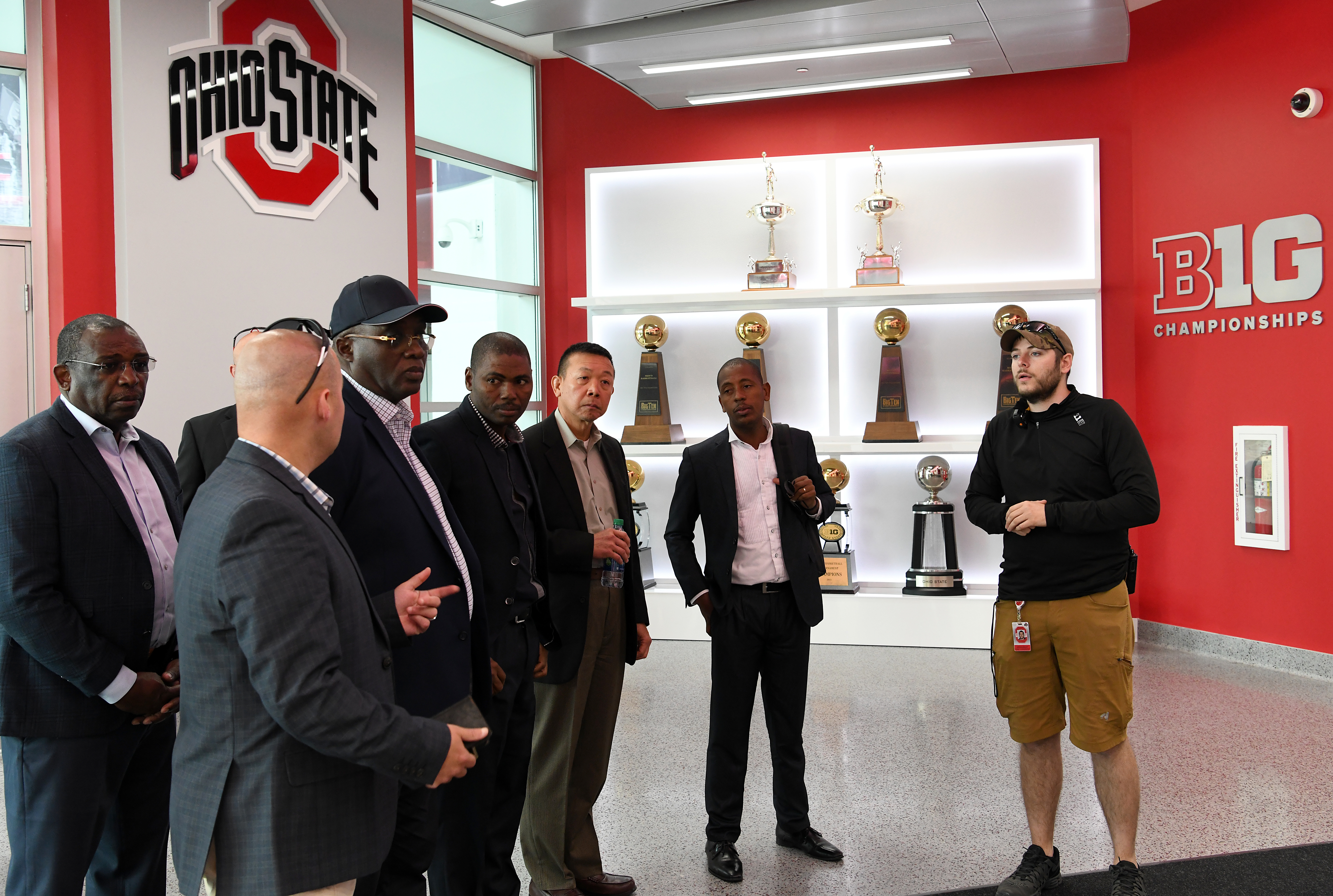 U.S. service members and an Angolan Armed Forces delegation tour The Ohio State University Schottenstein Center during an official visit to Ohio from Gen. Jaques Raul, Angolan Armed Forces deputy land forces commander, June 4, 2019, in Columbus, Ohio. The visit enabled the sharing of military best practices, encouraged cross-nation cultural understanding and promoted the development of professional relationships.
